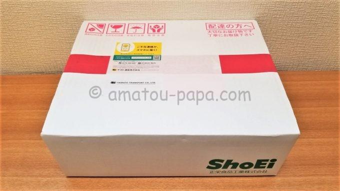 正栄食品工業株式会社の株主優待が届いた時の箱