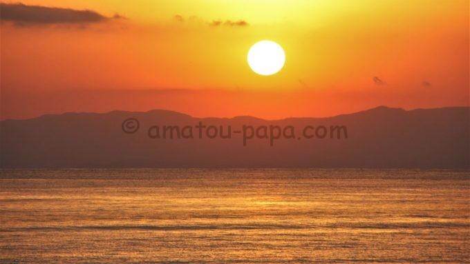 新江ノ島水族館から見る夕日