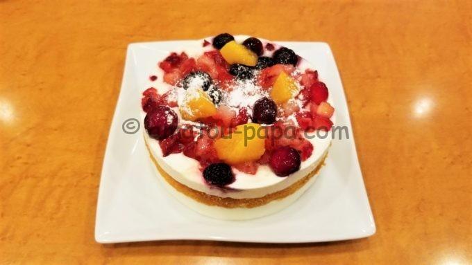 ステーキのどん、フォルクスなどのアークミール全店の誕生日特典(バースデーサービス)のケーキ