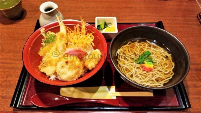 家族亭の天丼セット(蕎麦)