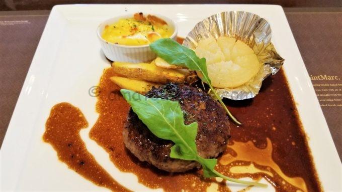 ベーカリーレストラン サンマルクのハンギングテンダーステーキ