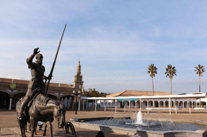 志摩スペイン村パルケエスパーニャのドンキホーテとサンチョパンサ像
