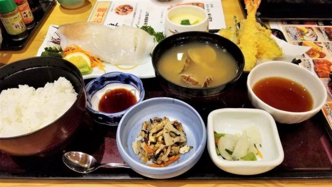 和食レストランとんでんの「いかのお造り天ぷら膳」