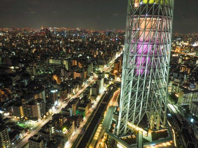 東京スカイツリーと周辺の夜景