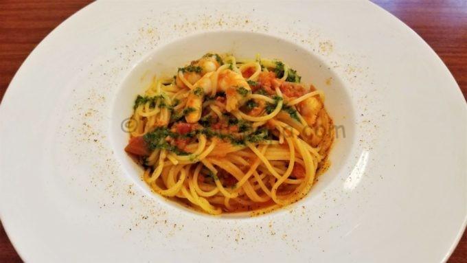 イーストサイド・カフェのパスタ「スパゲッティーニ、海老とカニのトマトクリームソース」