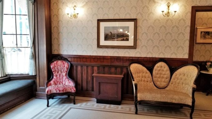 イーストサイド・カフェの待合室