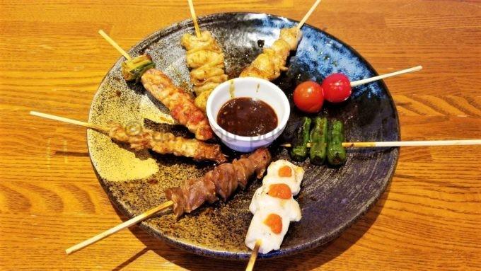 千年の宴の炭火串焼き盛り合せ(8種)