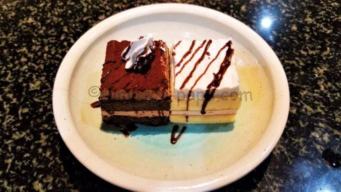 あみやき亭の誕生日ケーキ(ショコラ&ホワイトケーキ)