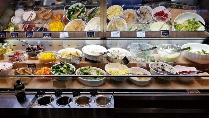 レストラン・スエヒロ館のサラダバー