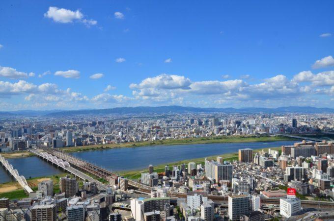 梅田スカイビル・空中庭園展望台からの景色