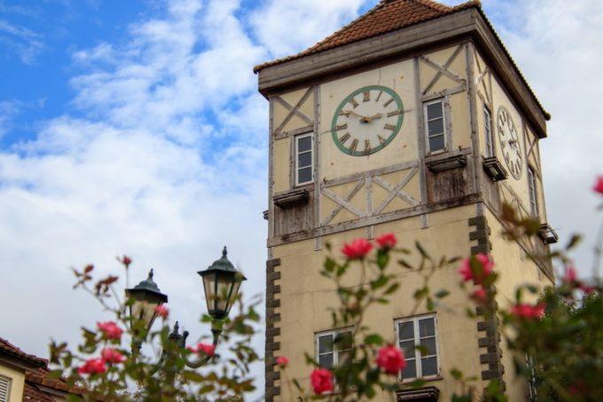 滋賀農業公園ブルーメの丘のヨーロッパ風の時計台