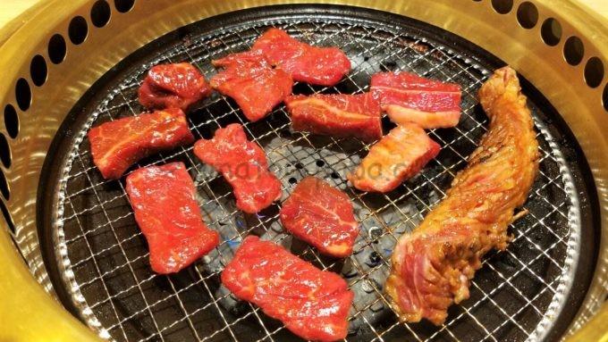 ワンカルビの焼肉(ワンカルビなど)