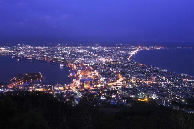 函館山から眺める夜景