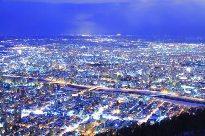 藻岩山(もいわやま)山頂展望台から眺める夜景