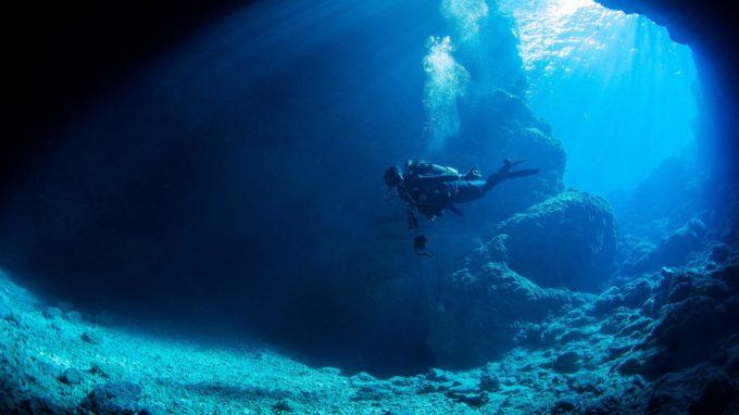 青の洞窟(沖縄)