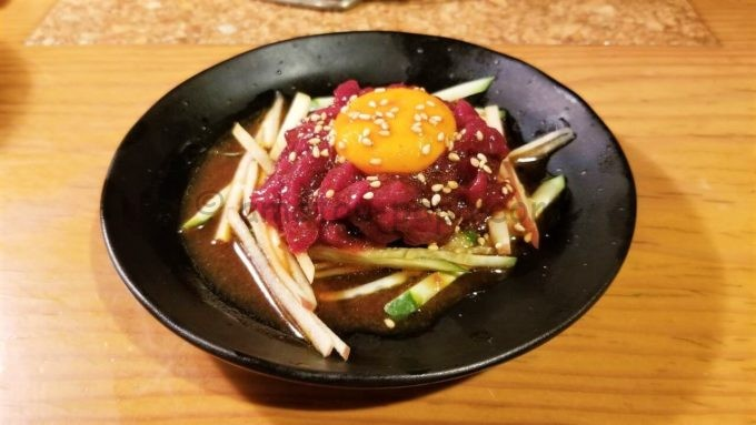 元氣七輪焼肉「牛繁」の桜ユッケ