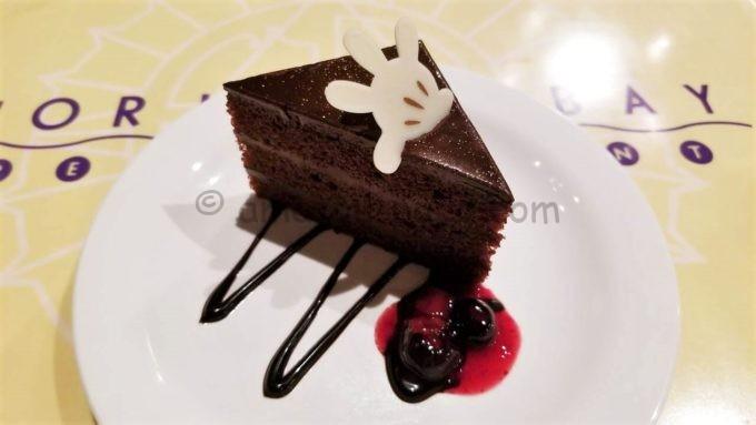 ホライズンベイ・レストランのチョコケーキ