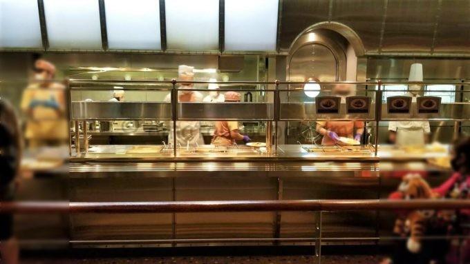 ホライズンベイ・レストランのオープンキッチン