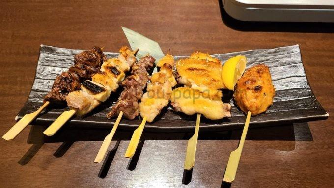 忍家の串焼き六種盛り合わせ