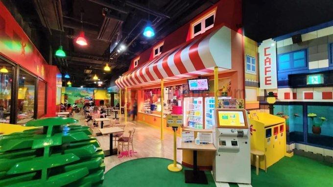 レゴランド・ディスカバリー・センター東京のカフェテリア