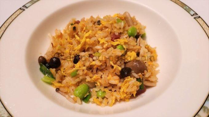 シルクロードガーデンの揚州風鮭と野菜の炒飯