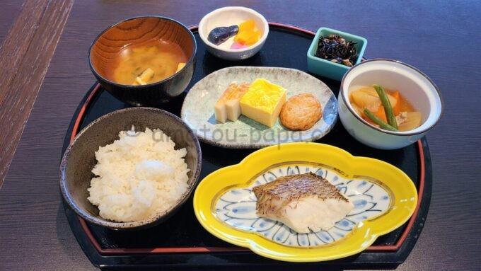 シェラトン・グランデ・トーキョーベイ・ホテルのクラブラウンジの朝食「和定食」