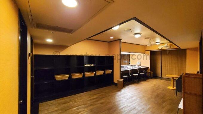 シェラトン・グランデ・トーキョーベイ・ホテルのジャパニーズスイート宿泊者限定の貸切専用浴場「ゆう」の脱衣所
