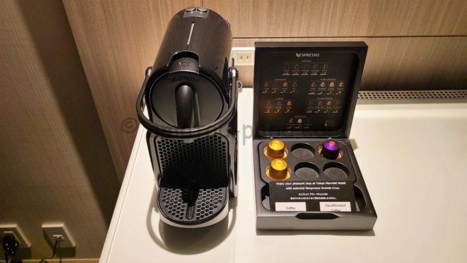 東京マリオットホテルの客室内にあるコーヒーメーカー(ネスプレッソ)