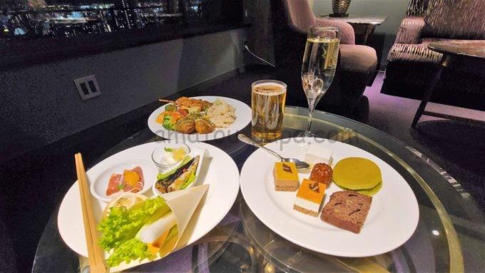 東京マリオットホテルのエグゼクティブラウンジで実施されるカクテルタイムに提供されるフード&ドリンク