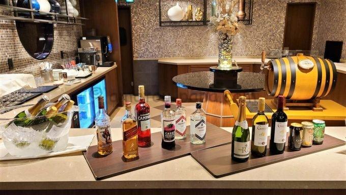 横浜ベイシェラトンホテル&タワーズのカクテルアワー(カクテルタイム)のアルコール類