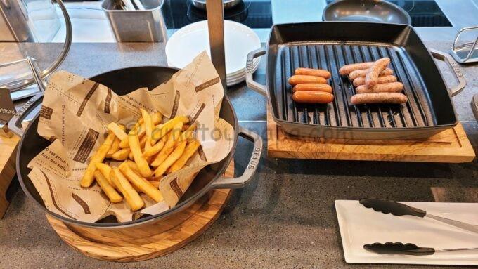 ACホテル・バイ・マリオット東京銀座 ACキッチンの朝食「ポテトとソーセージ」