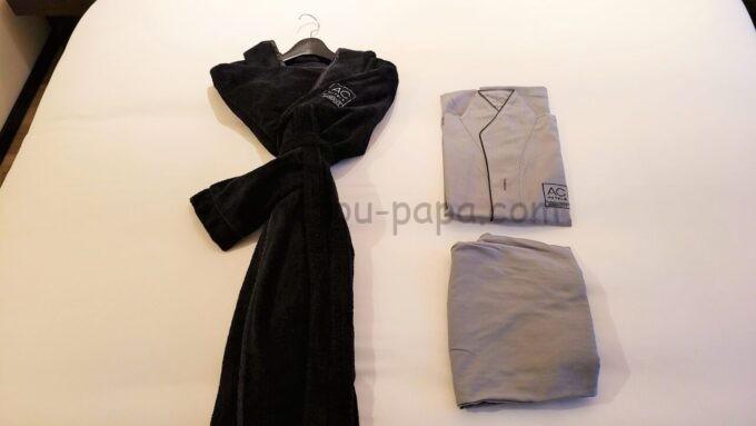 ACホテル・バイ・マリオット東京銀座のバスローブとパジャマ