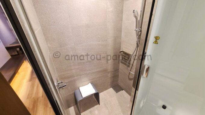 ACホテル・バイ・マリオット東京銀座のプライムスーペリアキングルームのシャワー