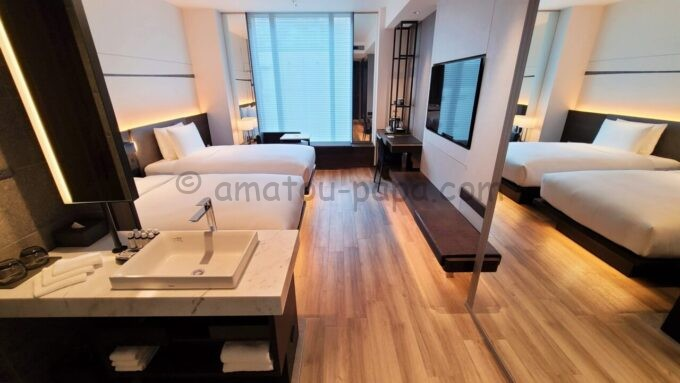 ACホテル・バイ・マリオット東京銀座のプライムスーペリアツインルームの部屋全体の雰囲気