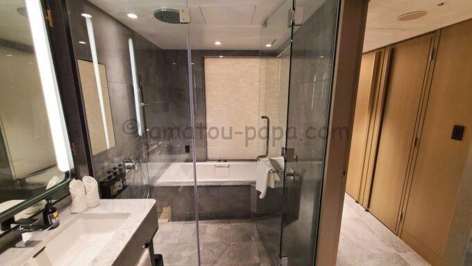 メズム東京、オートグラフ コレクションのchapter 1(ダブル、ガーデンビュー、バルコニー)の浴室