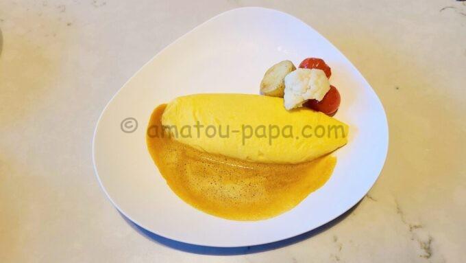 メズム東京、オートグラフ コレクションの朝食(メズムブレックファスト)「エシレバターとさがみっこ卵のオムレット・オ・プール(ビスク)」