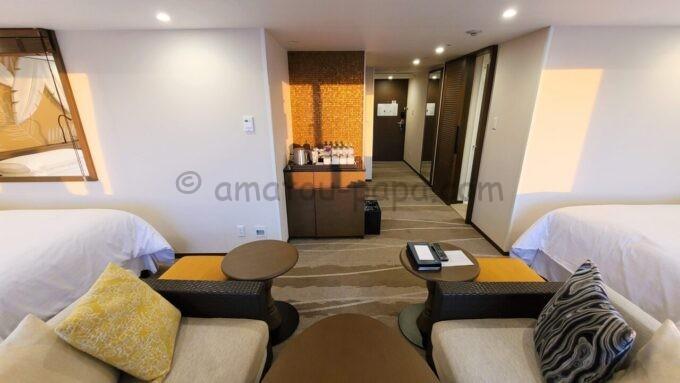 シェラトン・グランデ・トーキョーベイ・ホテルのパークウイングルーム 4ベッド(コーナールーム)の雰囲気