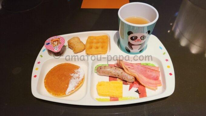 ヒルトン東京ベイのザ・スクエアでの子供用の朝食