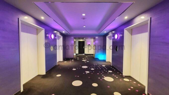 ヒルトン東京ベイの11階エレベーターホール