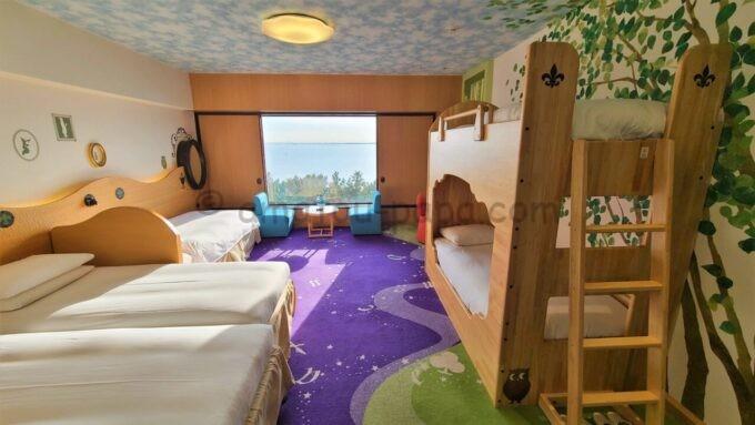 ヒルトン東京ベイのファミリーハッピーマジックルームの日中の雰囲気