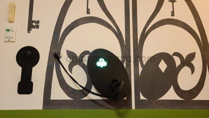 ヒルトン東京ベイのファミリーハッピーマジックルームの鍵の仕掛け(クローバー点灯)
