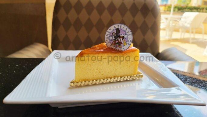 ハイピリオン・ラウンジのケーキセット(スフレチーズケーキ)
