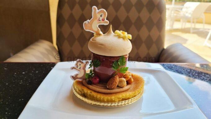 ハイピリオン・ラウンジのスペシャルケーキセット(チョコレートとマロンクリームのケーキ)