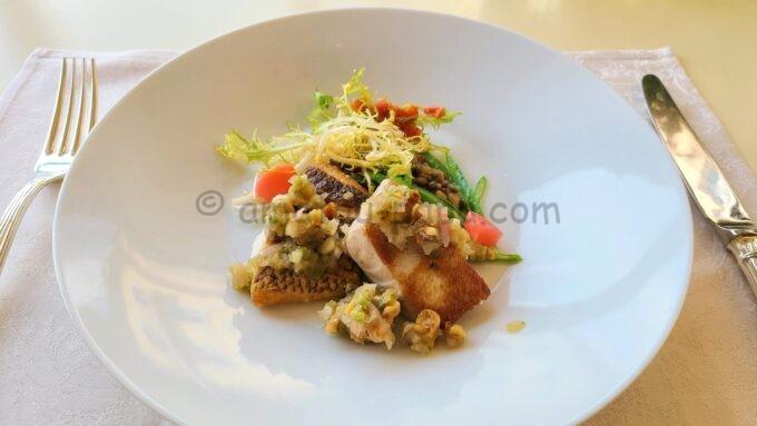 ベッラヴィスタ・ラウンジのランチコース「本日の魚のインパデッラ レンズ豆とパンチェッタのラグー」