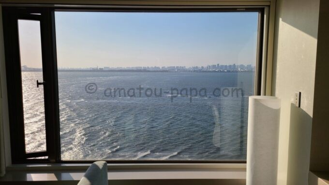 ヒルトン東京ベイのセレブリオセレクトの窓(海側)