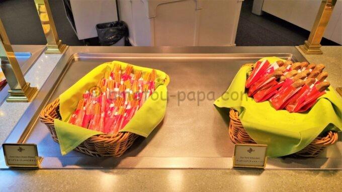 クリスタルパレス・レストランのデミグラス・チュロス(ポテト)とティポトルタ(チョコレート)