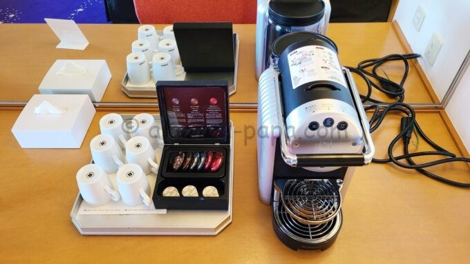 ヒルトン東京ベイ ハッピーマジックスイートのコーヒーメーカー