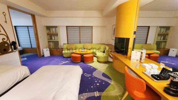 ヒルトン東京ベイ ハッピーマジックスイート(カップルズルーム)夜の雰囲気