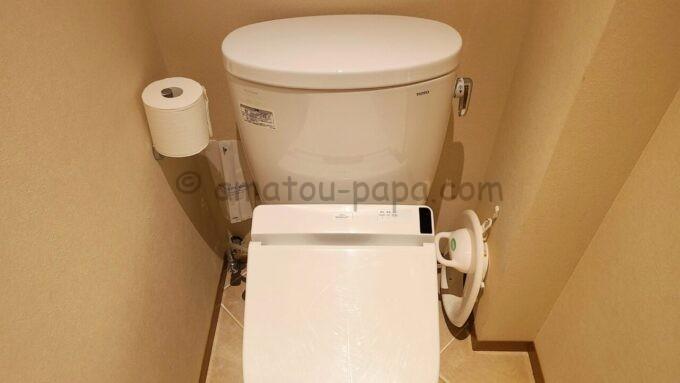 ヒルトン東京ベイ ハッピーマジックスイート(キッズルーム)のトイレにある補助便座