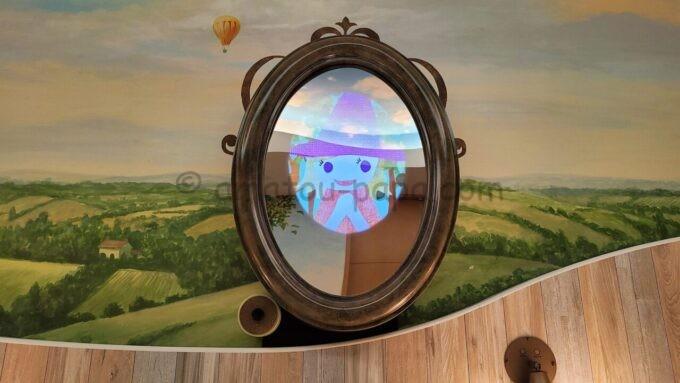 ヒルトン東京ベイ ハッピーマジックスイートの鏡(ティアラ)